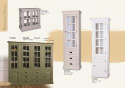 Festett fenyő vitrinek és könyves szekrények